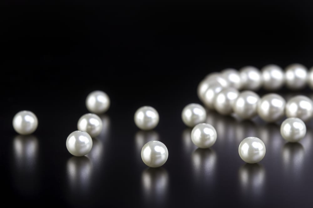 White Tear Drop Oval Shaped South Sea Mother of Pearls Loose Beads Half Drilled